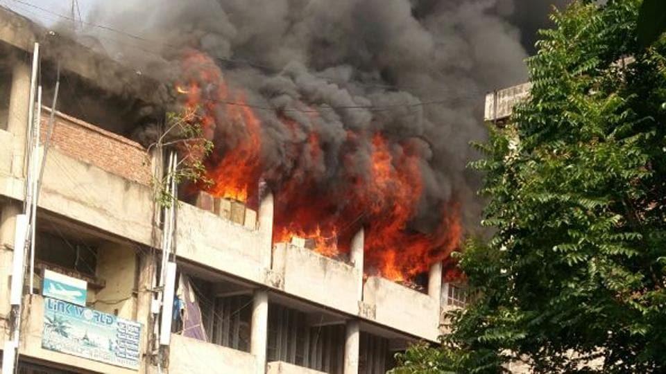 Sector 17,fire,Chandigarh