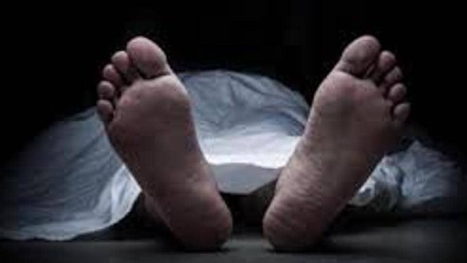 The man was taken to Tembha hospital in Bhayander, where he was declared brought dead.