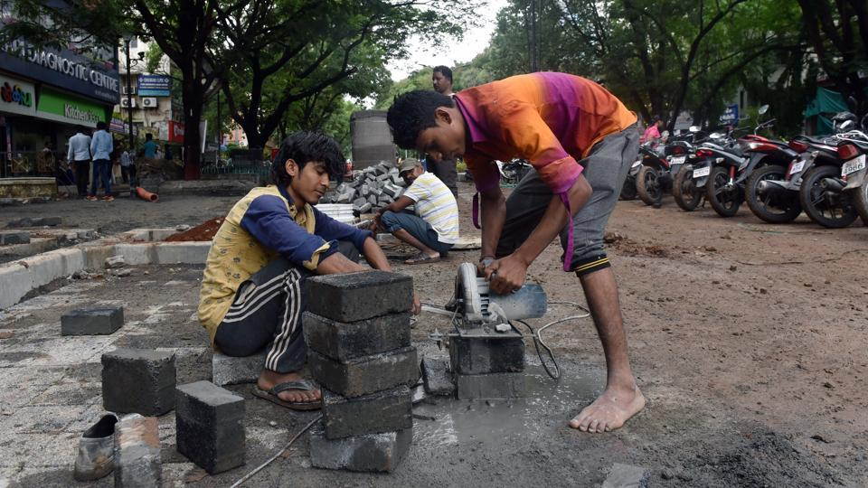 Work in progress in Aundh for the Smart City project in Pune.