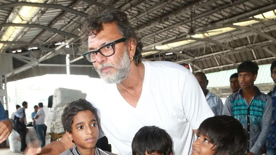 Rakeysh Omprakash Mehra on the sets of Mere Pyare Prime Minister.