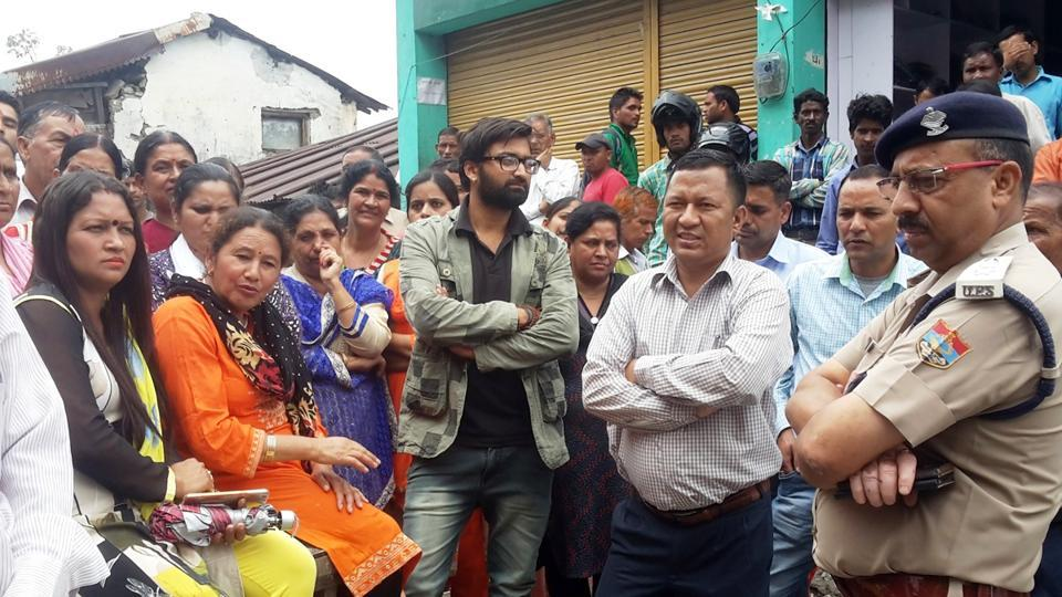 Uttarakhand,liquor,women