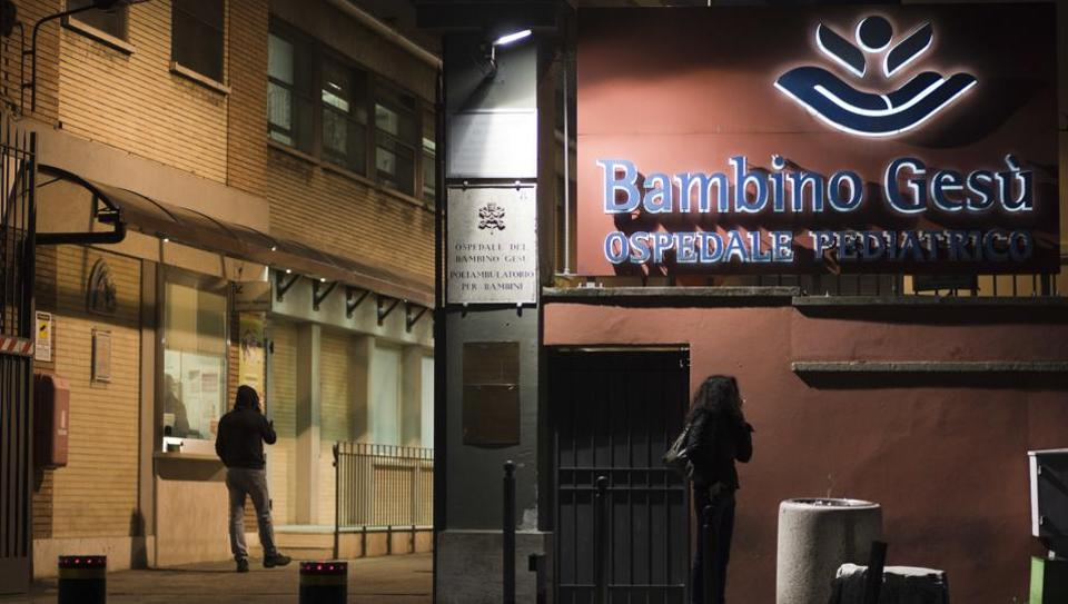 Sharply divergent conclusions about conditions at the Vatican's Bambino Gesu Pediatric Hospital underscore the controversies and problems that have afflicted Italy's premier children's hospital.