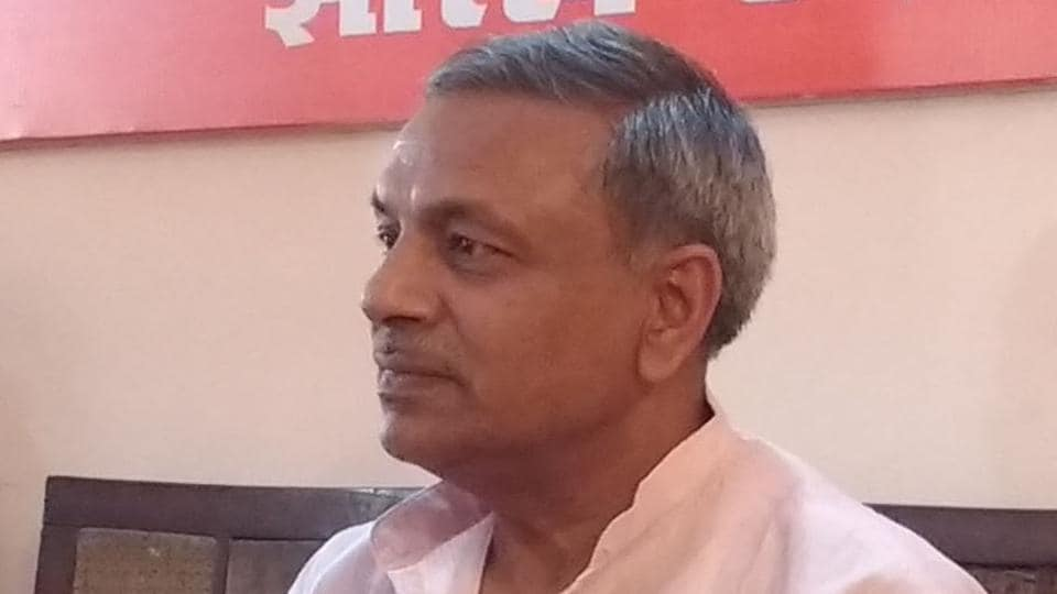 VHP International joint general secretary Surendra Jain said placard-carrying groups with selfish interests are trying to malign the holy resolve of cow-protection.