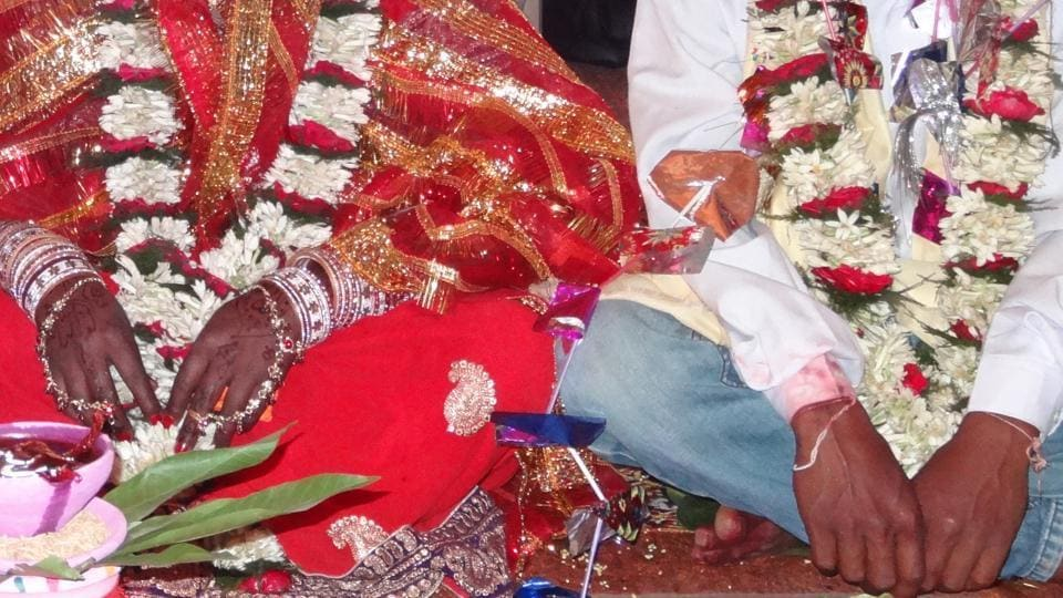 A bride and groom in Ranchi.