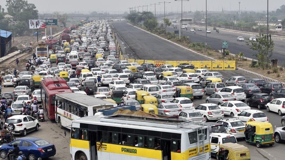 Heavy traffic jams are a regular occurrence in Delhi.