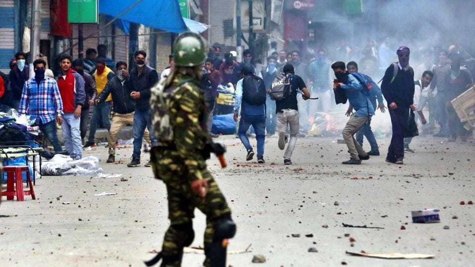 Kashmir has seen a spate of bank lootings, militant attacks and mounting civilian-police clashes over the past few months.