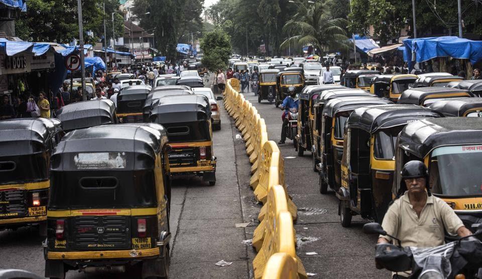 Traffic at Hill Road in Mumbai