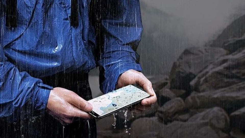 The Galaxy S8 has many good points and one of them is that rain, water splashes, or a dip in water (up to 1.5 metres for 30 minutes) will have no damaging effect on it.