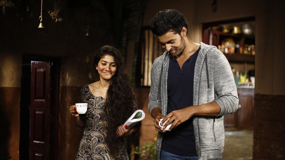 Fidaa stars Premam girl Sai Pallavi and Varun Tej in lead roles.