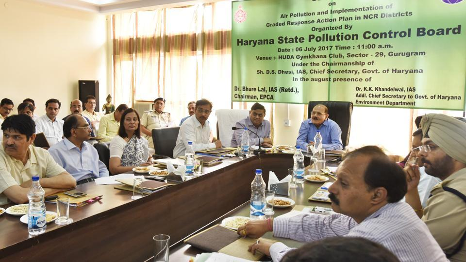 Environment Pollution Control and Prevention Authority (EPCA), chairman, Bhure Lal (in blue shirt), attended a seminar held by HSPCB in the city on Thursday.