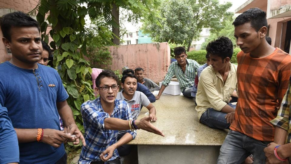 PG death,man pushed from pg,gurgaon pg death