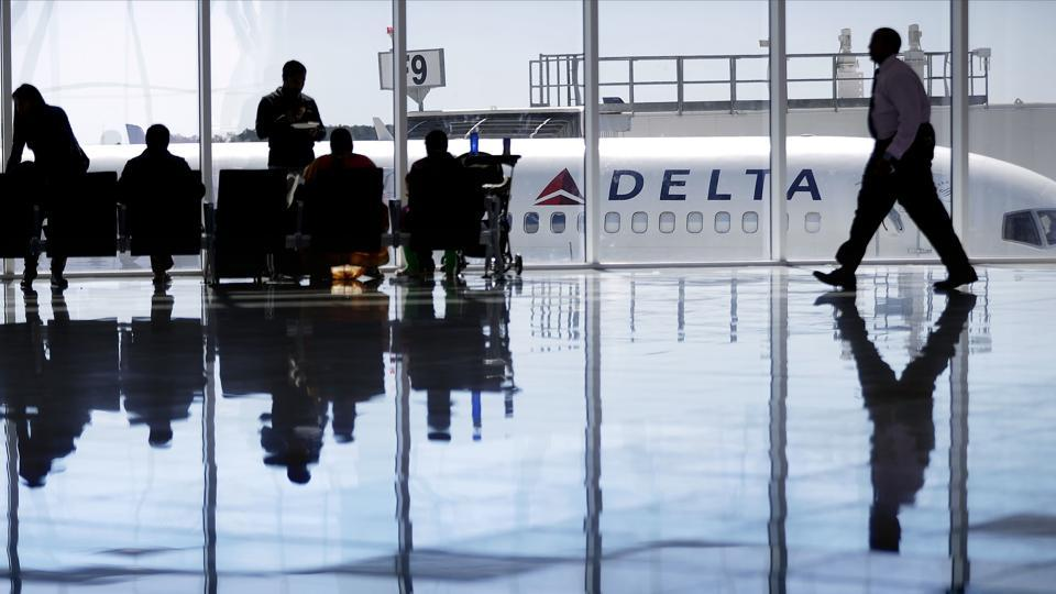 A male passengers allegedly assaulted a crew member on board a Delta flight.