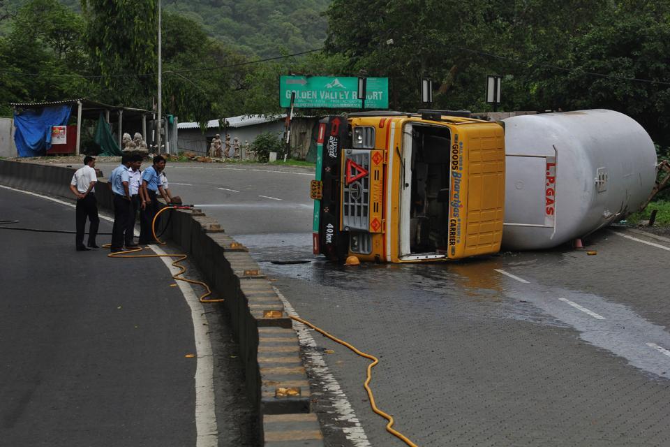 An LPG tanker overturned on Ghodbunder Road on Monday.