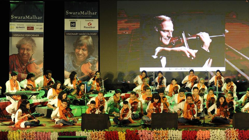 Sixty violinists of the Violin Academy performed at  'Swara Malhar'. (Ravindra Joshi/HT PHOTO)