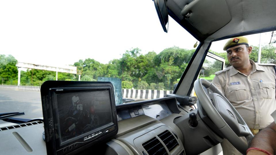 he vehicle mounted cameras will enable the traffic police to park the patrol vehicles at different places, where traffic related offences are reported.
