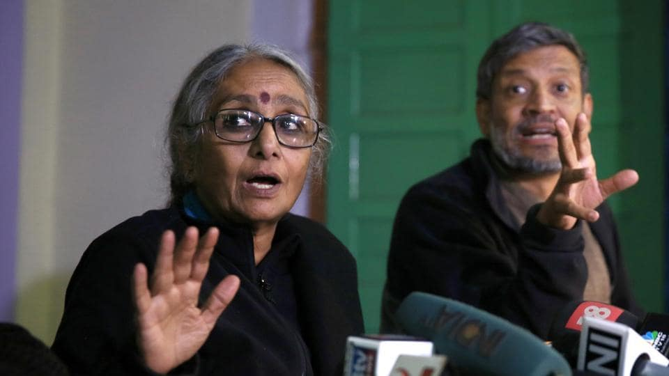 Activists Aruna Roy and Nikhil Dey at a press conference in Jaipur last year.