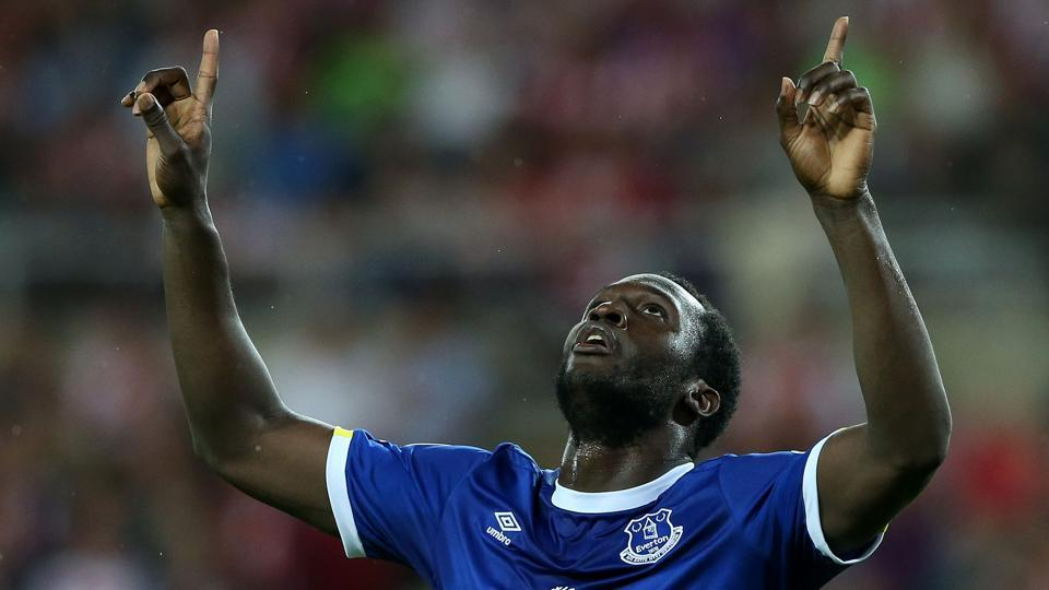 Manchester United have agreed a fee with Everton for Belgian striker Romelu Lukaku.