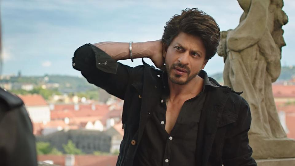 Shah Rukh, who is touted as the king of romance in Bollywood, will be seen romancing Anushka Sharma in the movie.