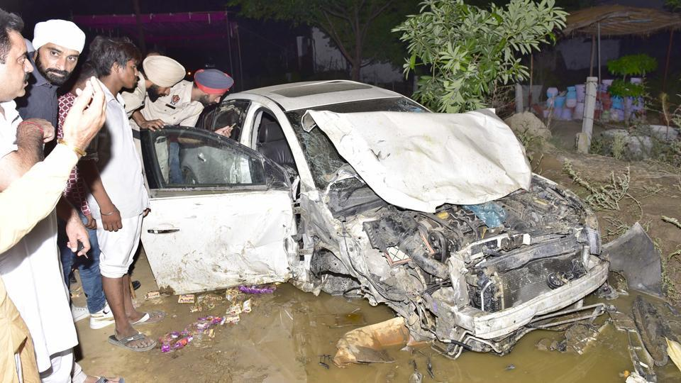 Amritsar,car,10 injured