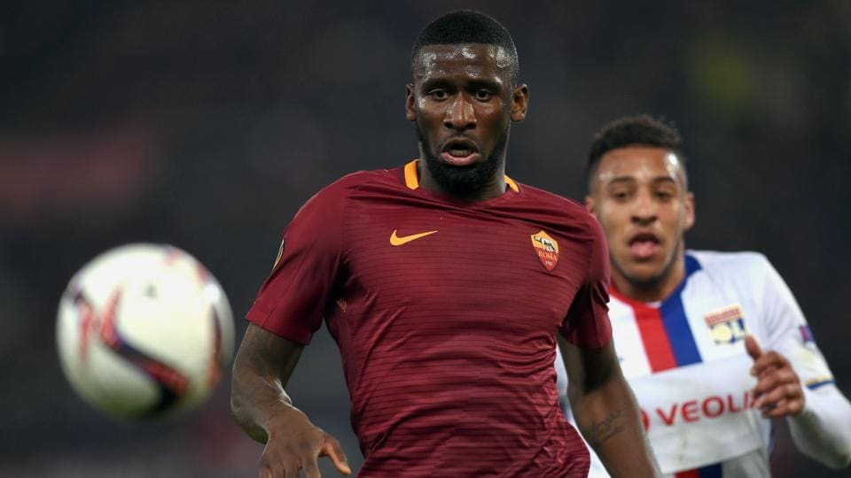 Chelsea FC have completed the signing of defender Antonio Rudiger from AS Roma
