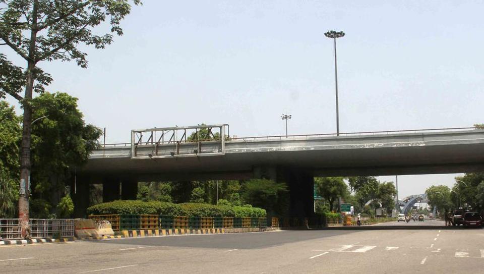 Noida,U-turn,traffic