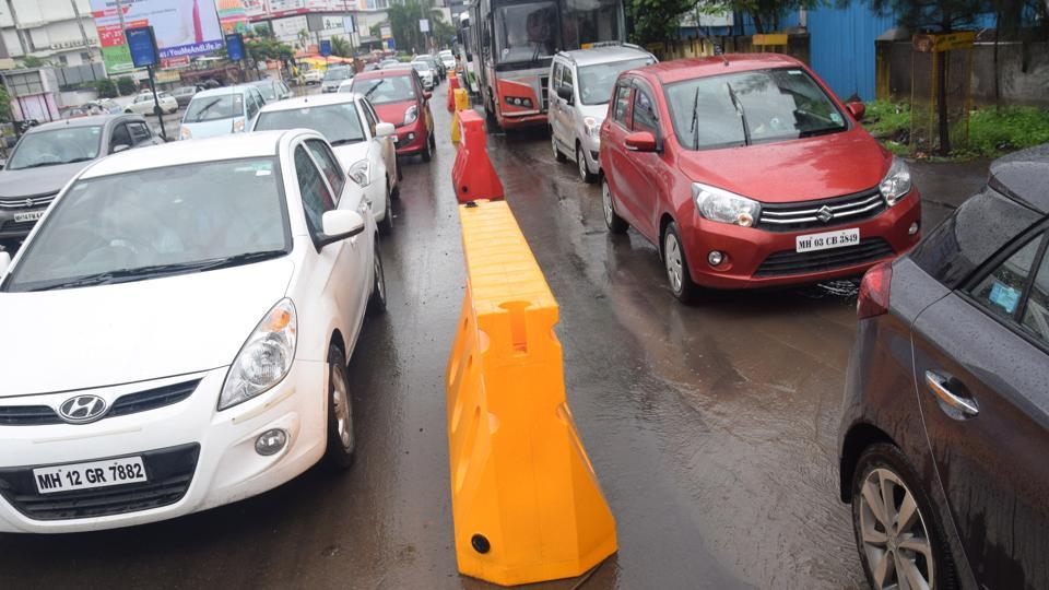 Hinjawadi Industries Association (HIA), MIDC and Traffic Police, Pune have taken many initiatives, including installing barricades, to improve traffic congestion in Hinjewadi.