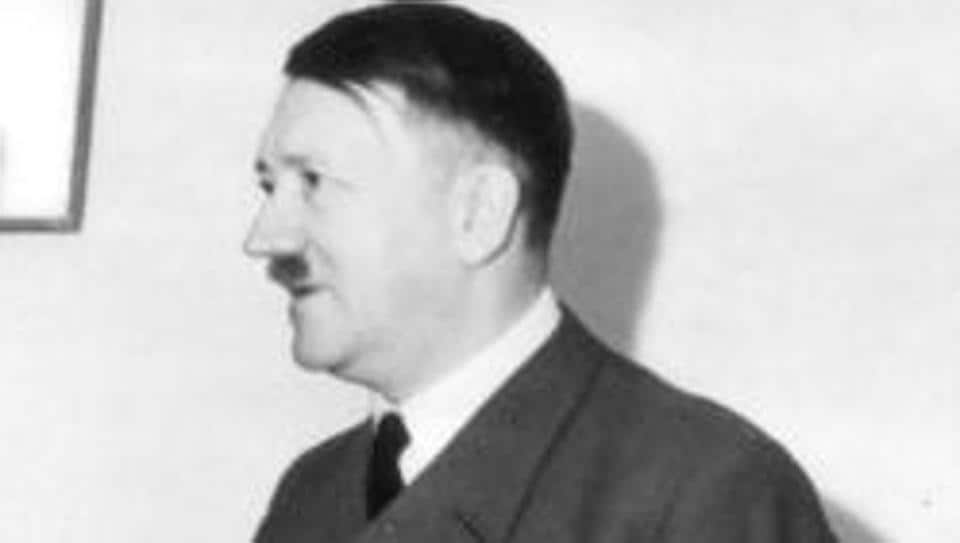 The Nazi leader Hitler is estimated to have created between 2000 and 3000 drawings, watercolors, and oil paintings .