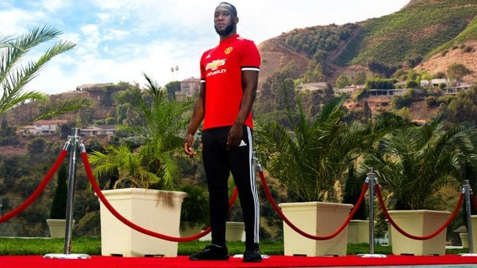 Romelu Lukaku is now officially a Manchester United player.