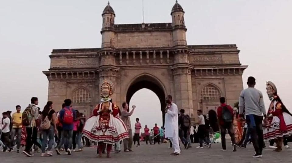 Officers said Shaikh targeted mostly elderly tourists and couples who came to see Marine Drive promenade or Gateway of India.