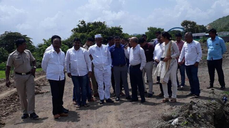 Pune,Zilla parishad official,cremation