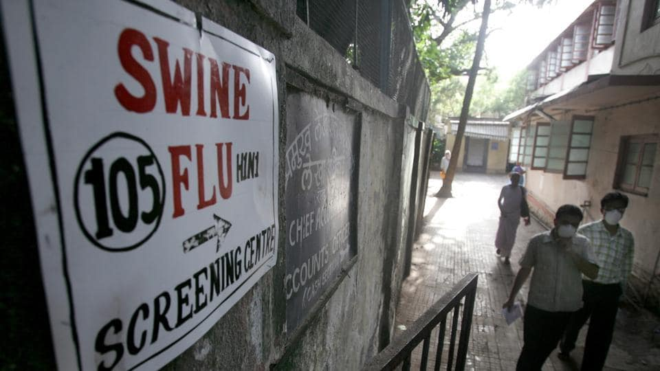 Doctors said since some of the symptoms of swine flu include vomiting, fever, throat pain, body ache and diarrhoea, patients often confuse it with viral fever or gastroenteritis.