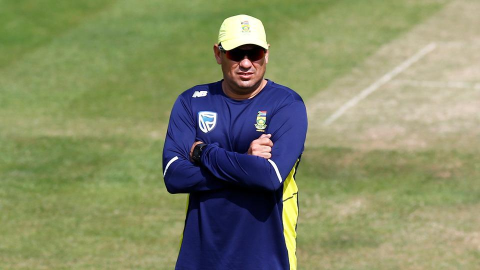 South Africa coach Russell Domingo has had to leave England to return home for personal reasons.