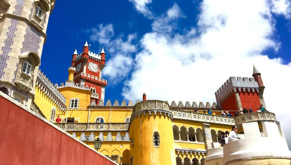 The Sintra Palace, which reminded Vir of Dorne in Game of Thrones.