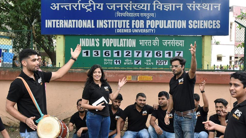 Students of International Institute for Population Sciences, Mumbai perform a streetplay to spread awareness about family planning at Deonar in Mumbai. (Kunal Patil/HT Photo)