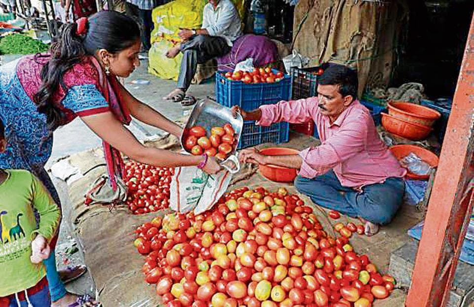 Cost of tomatoes in the city has seen a drop in purchase. Tomatoes are mainly arriving from Manchar, Narayangaon, Satara and  Ahmednagar in the Pune market.