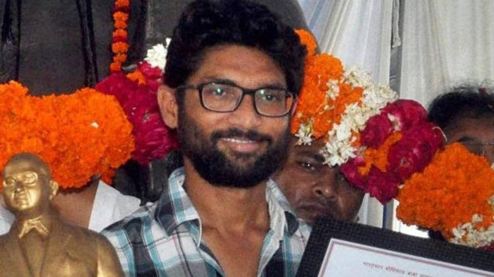 Dalit leader Jignesh Mevani being honoured by Ambedkar Mahasabha in Lucknow on August 27, 2016.
