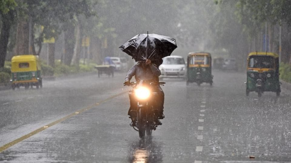 The MeT department has predicted moderate rains on Wednesday, which may last till Thursday afternoon. The temperature is likely to reach a high of 32 degree Celsius, which is five degrees below normal.