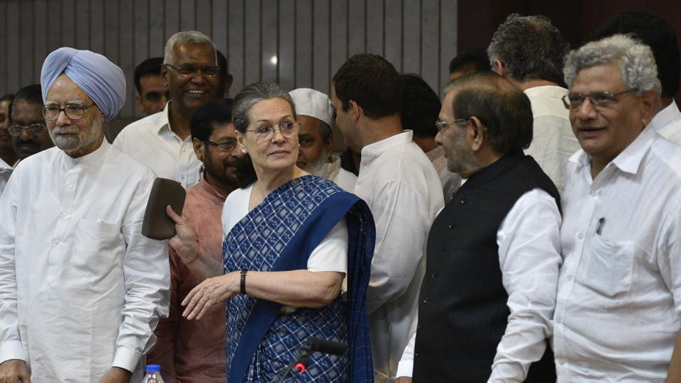 Former prime minister Manmohan Singh, Congress President Sonia Gandhi, Congress Vice president Rahul Gandhi, JD(U) leader Sharad Yadav, CPIM leader Sitaram Yechuri and others at a meeting to deliberate on the name of the joint candidate for the Vice President in New Delhi, on July 11, 2017.