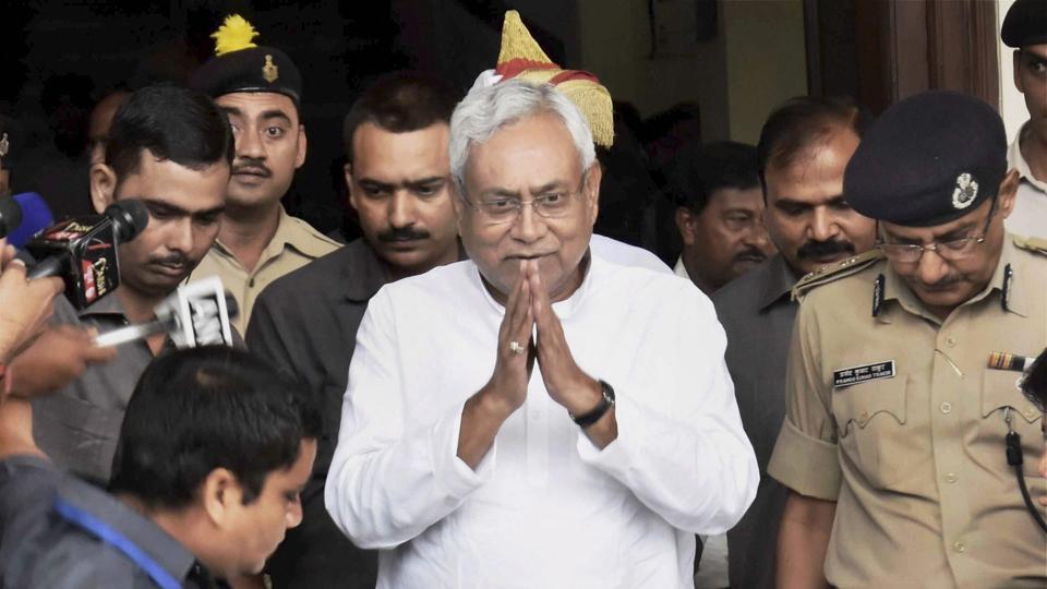 Ramchandra Guha,Nitish Kumar,Bihar grand alliance