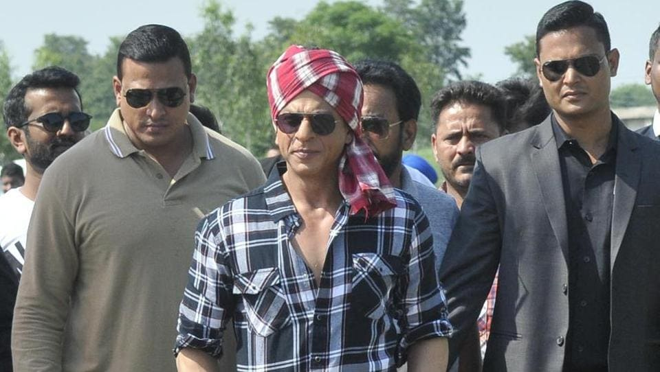 The actor also wore a red and white striped turban and visited Jhande village in Ludhiana amid tight security on Thursday.  (Gurminder Singh/HT Photo)