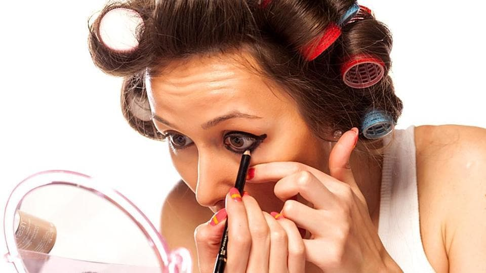 Eyeliner usually clogs the meibomian glands leading to formation of painless lumps in the eyelids hence obstructing the vision.