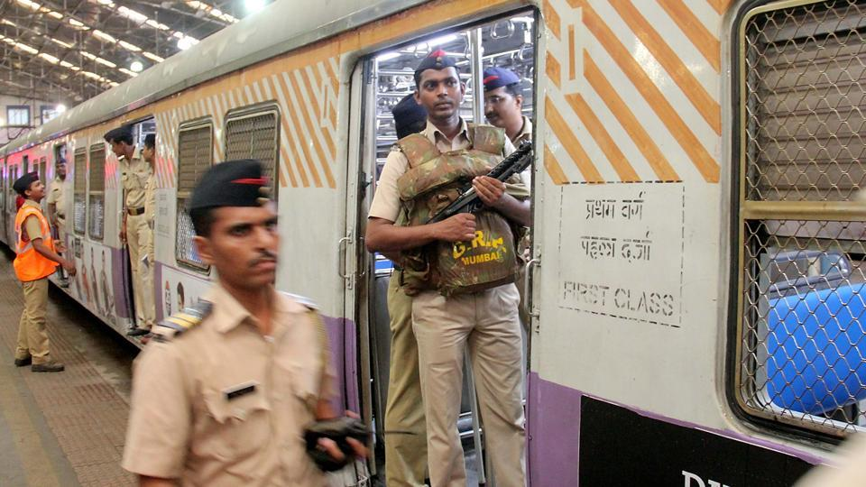 The railway protection force (RPF) beefed up security at Churchgate station after the control room received a call saying a bomb had been planted on the premises. It turned out to be hoax. (Bhushan Koyande/HT PHOTO)