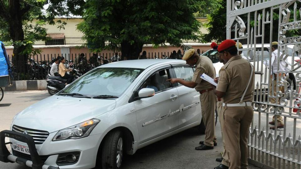 Uttar Pradesh police conducting a security check at the Vidhan Bhavan in Lucknow after explosives were detected on the premises on July 12.