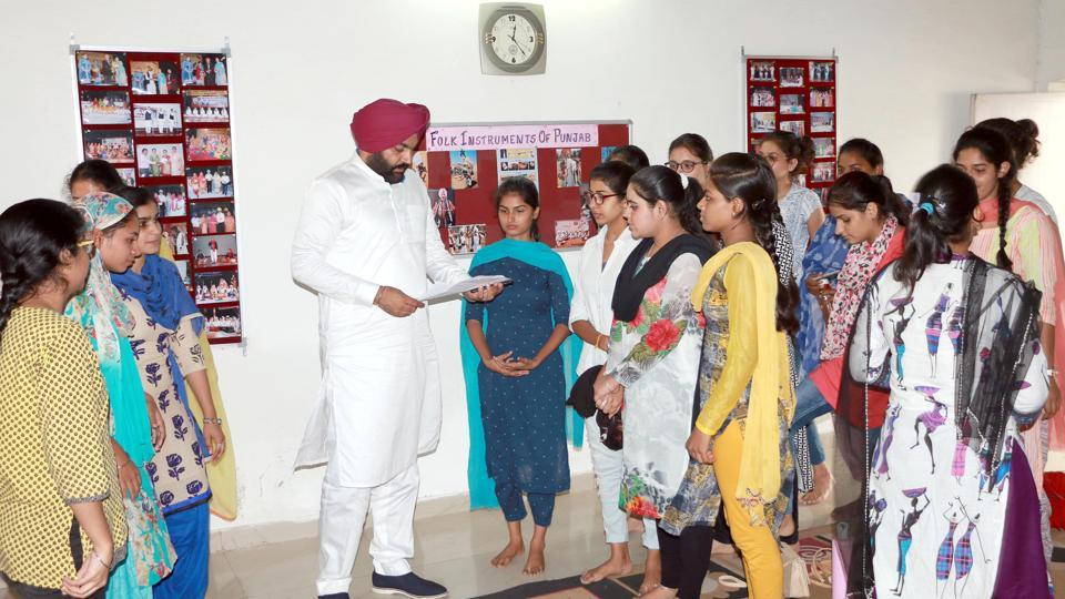 Local MP Gurjit Singh Aujila interacting with the students of Khalsa College for Women in Amritsar on Thursday.