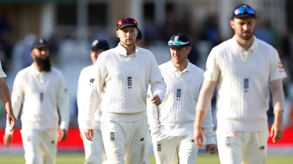 England picked up six South African wickets on Day 1 of the second Test at Trent Bridge in Nottingham.