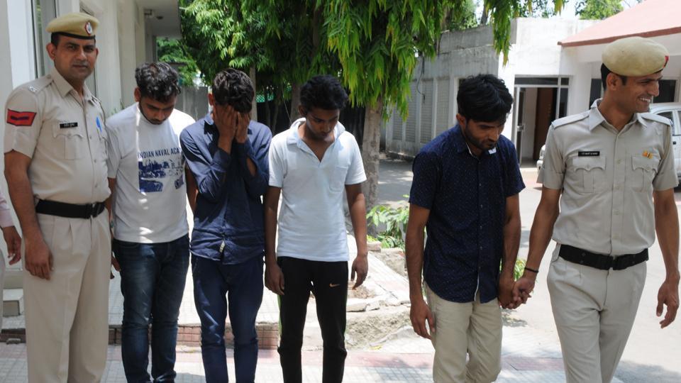 PVR cinemas,card cloning,gurgaon police