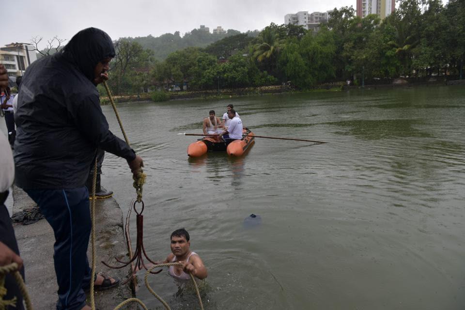 Mumbai city news,drowned,Belapur pond