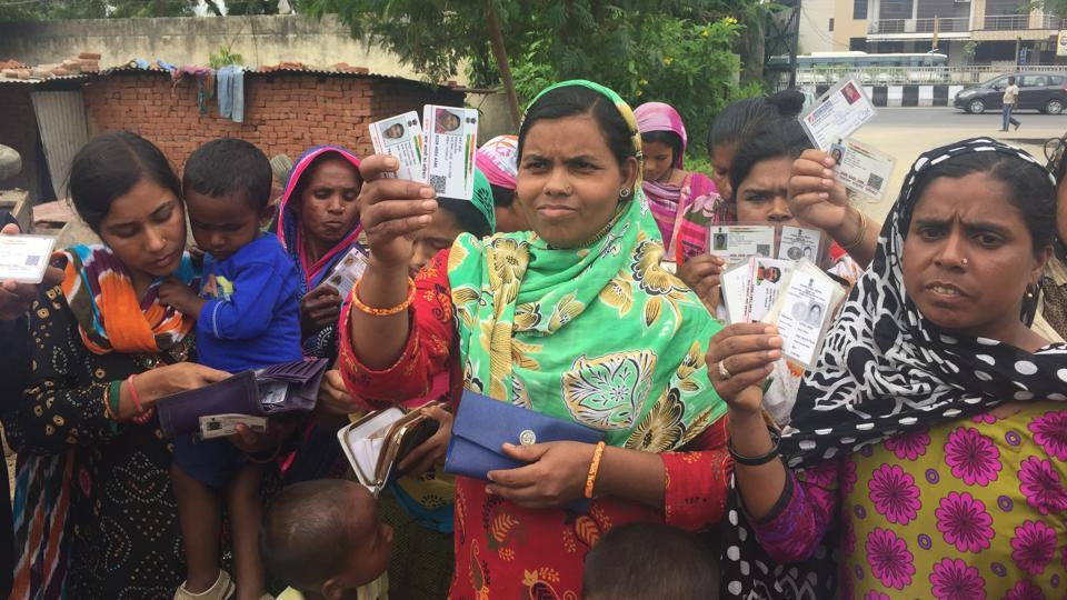 Holding up their identity cards, the domestic helps said the documents are not fake and were issued by the authorities concerned.