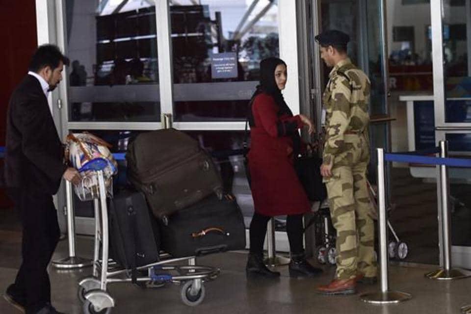 Aadhaar,right to privacy,aadhaar in airport