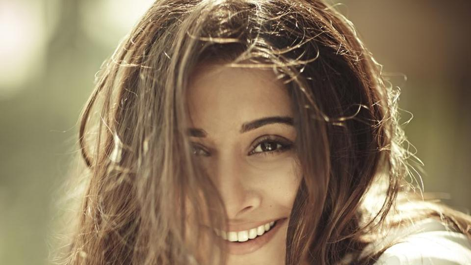 Actor Vidya Balan says she always talks to her parents and husband if a film hasn't done well and then move on.
